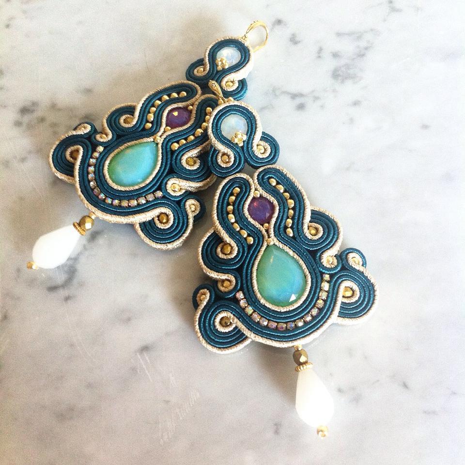 orecchini e gioielli in soutache di Lavi Bijoux